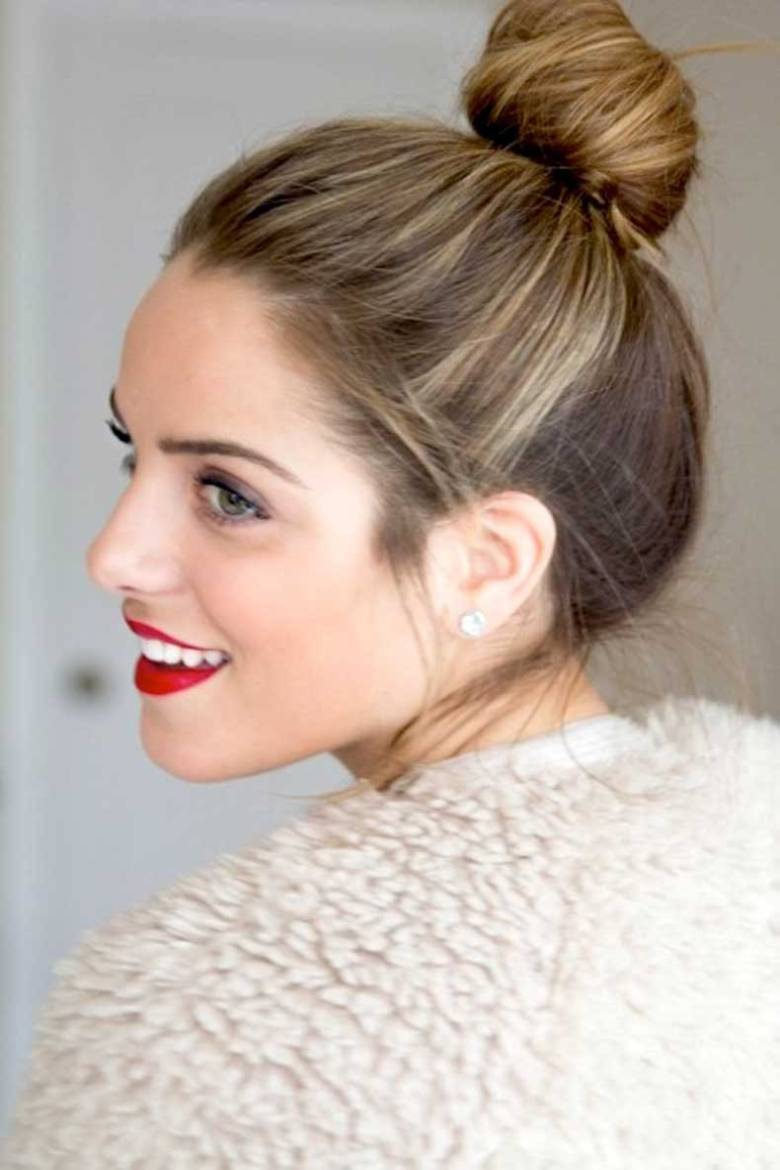 1-Le-Fashion-Blog-15-Crazy-Cool-Top-Knots-Bun-Up-Do-Hair-Hairstyle-Inspiration-Red-Lips-Blogger-Gal-Meets-Glam (1)