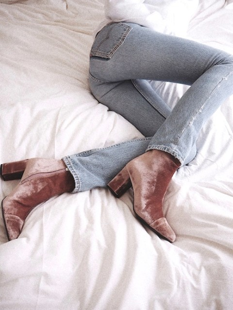le-fashion-blog-fall-style-white-knit-light-wash-denim-brown-velvet-heeled-boots-via-vasilieva
