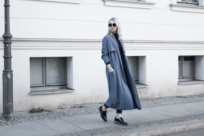 noa-noir-fashion-outfit-all-black-house-of-sunny-trenchcoat-minimal-streetstyle-inspiration-3