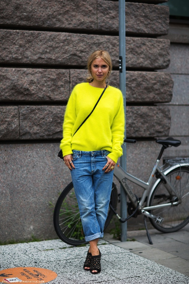 Who-What-Wear-Blog-7-Ways-To-Style-Boyfriend-Jeans-Street-Style-Inspiration-Stockholm-Streetstyle