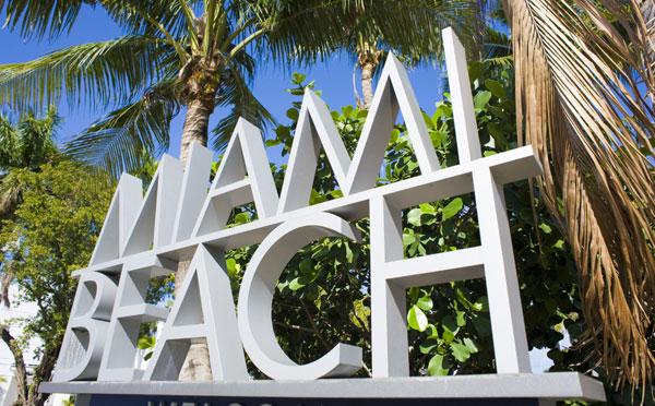 2016 Miami Swim Show featured on Lingerie Briefs