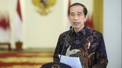 PUTUSKAN: Presiden RI Joko Widodo (Jokowi) memutuskan perpanjangan PPKM Level 4 pada sejumlah kabupaten/kota tertentu, dari Selasa (3/8/2021) hingga Senin (9/8/2021). (ISTIMEWA/LINGKAR.CO)