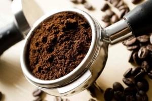 restaurant-beans-coffee-cup-min