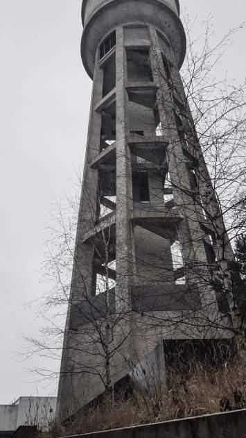 Imposanter Wasserturm.
