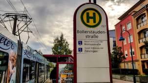 Haltestellenschild Bollerstaudenstraße