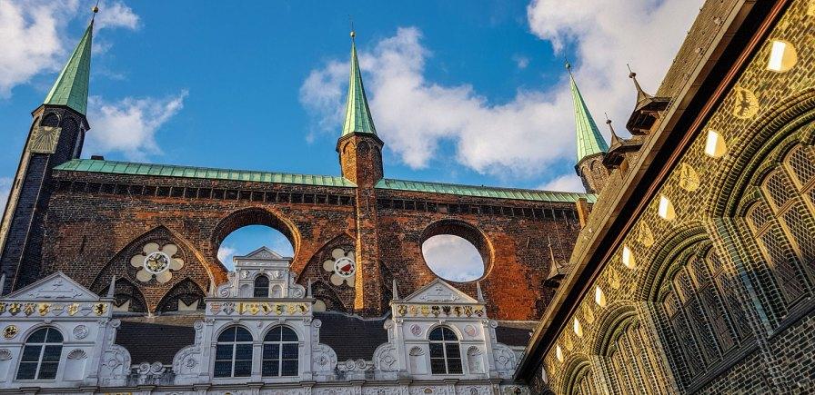 Rathaus Lübeck, Außenansicht.