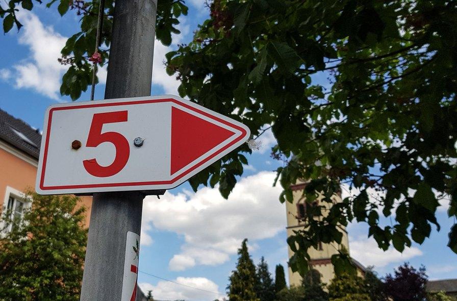 Schild Nr. 5 in Oberweis, Südeifel.