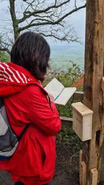 HW 5 Heike liest das Gipfelbuch