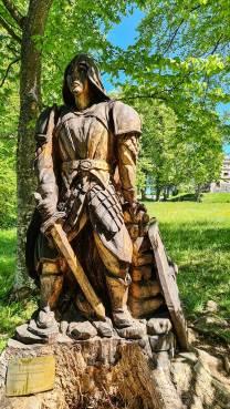 Ritter aus Holz auf Schloss Lichtenstein