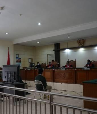 Sidang Putusan Hakim Atas Kasus Empat Mahasiswa Penolak Omnibus Law di Semarang [BP2M/Alisa]