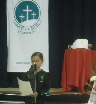 201312-- - Family (Children's Mass) - 2013 - church%20046