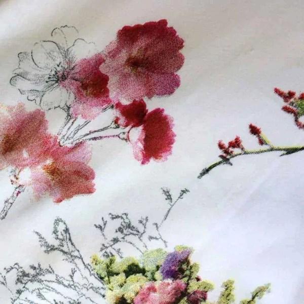 wit-beddengoed-bloem