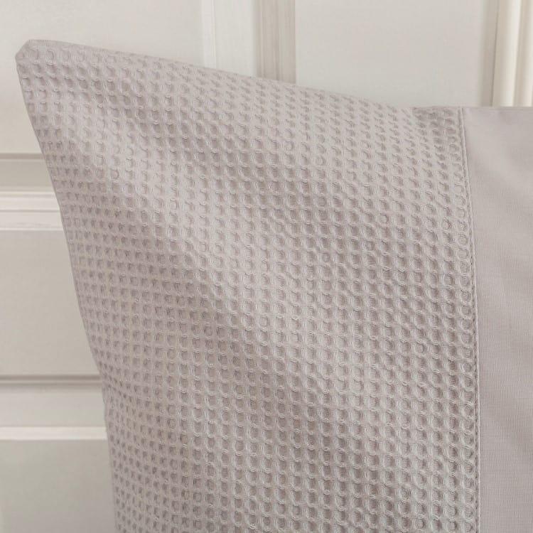 sloop van lugano dekbedhoes in de kleur grijs met een wafeltjes print