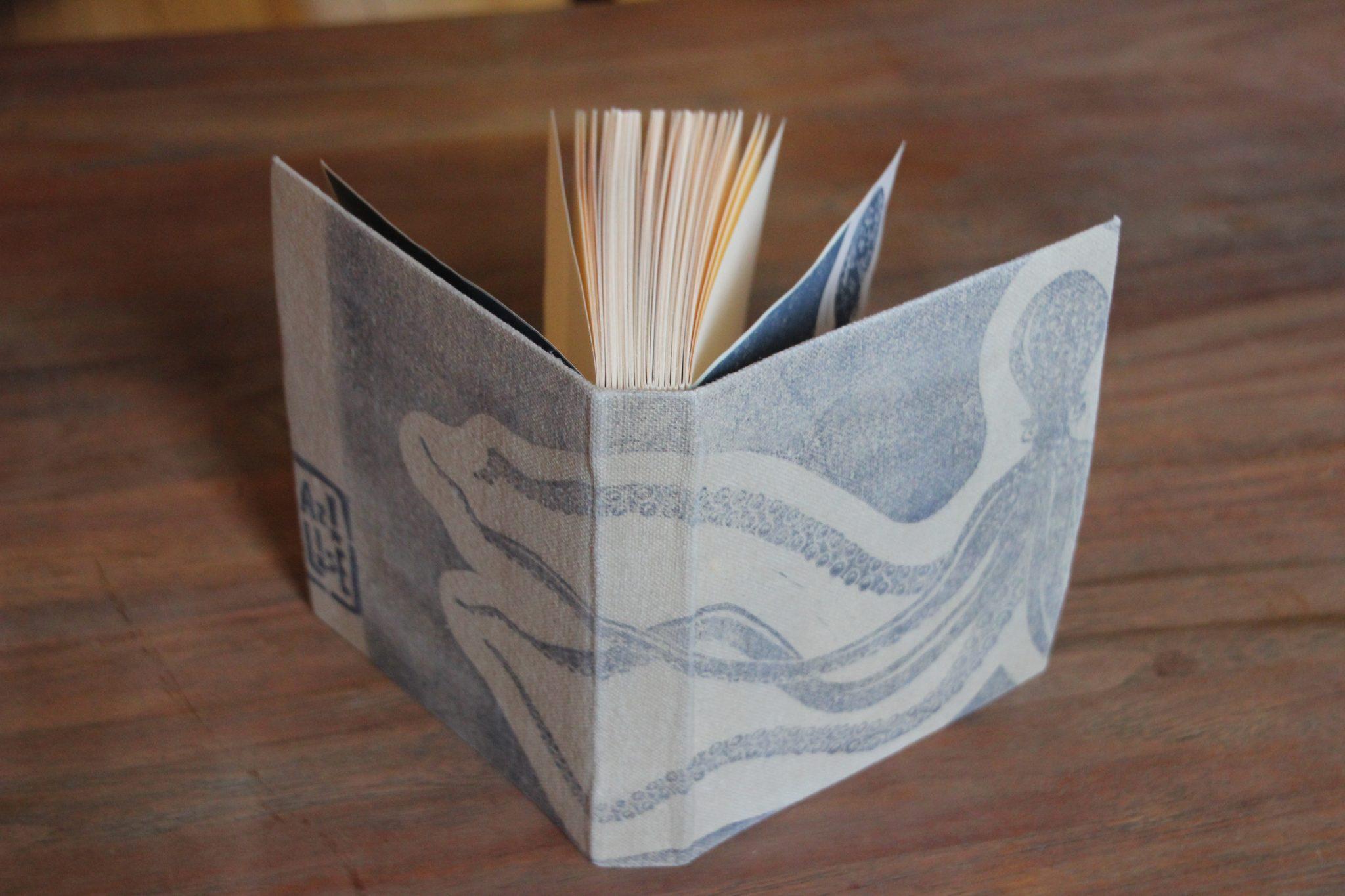 carnet poulpe reliure classique | LinoLino | Linogravure | Créations artisanales
