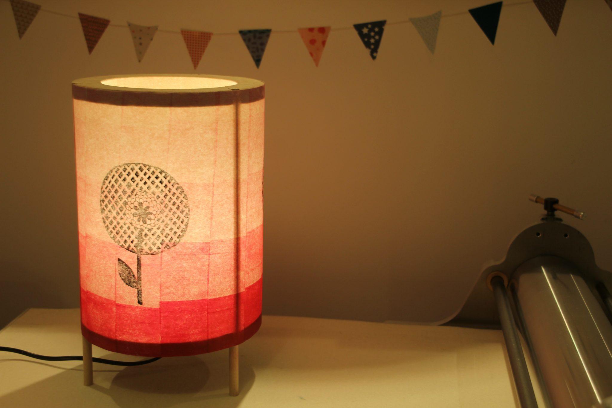 LinoLino - Linogravure et créations | Lampe Fleur Tequila Sunrise