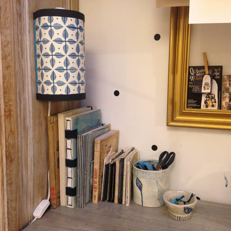 LinoLino | Linogravure et créations à partir d'impressions artisanales | Chambéry, France | Lampe applique murale linogravure tampons azulejos feuilles