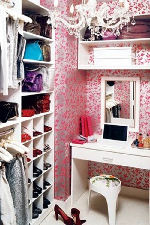 Stylish-Walk-In-Closet-Designs-Ideas