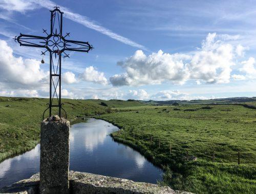 Aubrac GR65 croix catholique