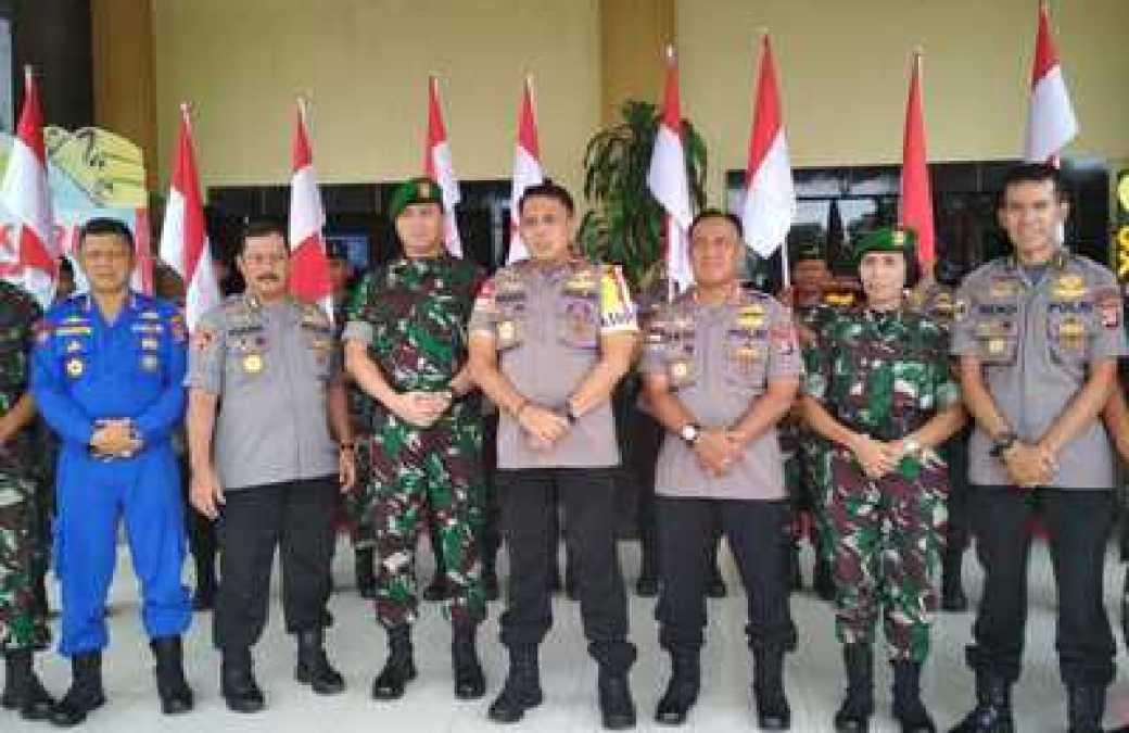 Dalam Moments HUT Bhayangkara Ke-72, Kapolda Kalteng Mendapatkan Kejutan Dari Polda Kalteng Dan TNI