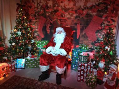 Linwood Christmas Tree Lighting & Visit with Santa