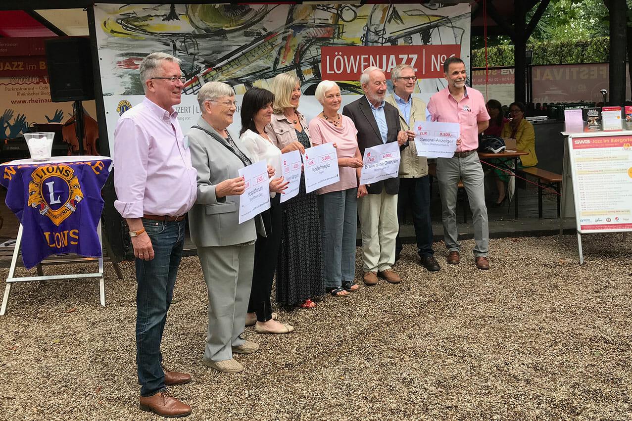 Spendenübergabe Lions Bonn-Rheinaue beim 6. LöwenJazz