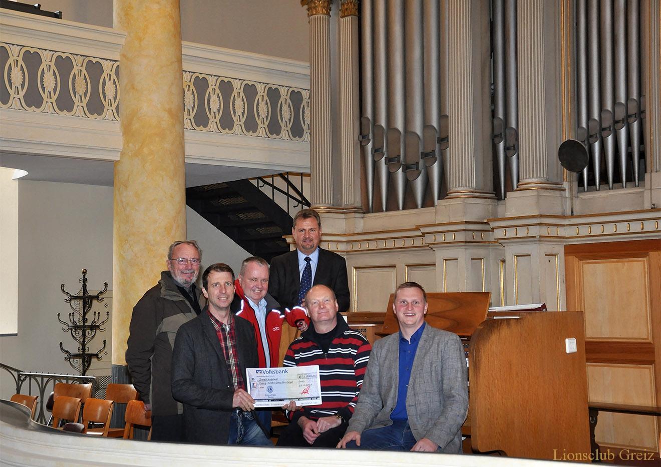 Lions Club Greiz übergibt 2000 Euro für Orgelsanierung