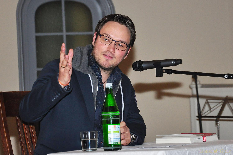 Lesung mit Falk Stirkat: Was uns krank macht