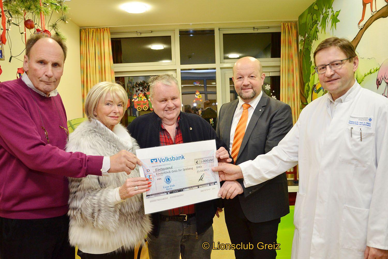 Lions Club Greiz bringt weihnachtliche Freude in die Kinderklinik