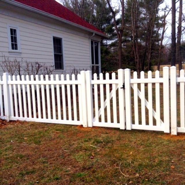 Vinyl Picket Fence Clifton Fairfax County VA