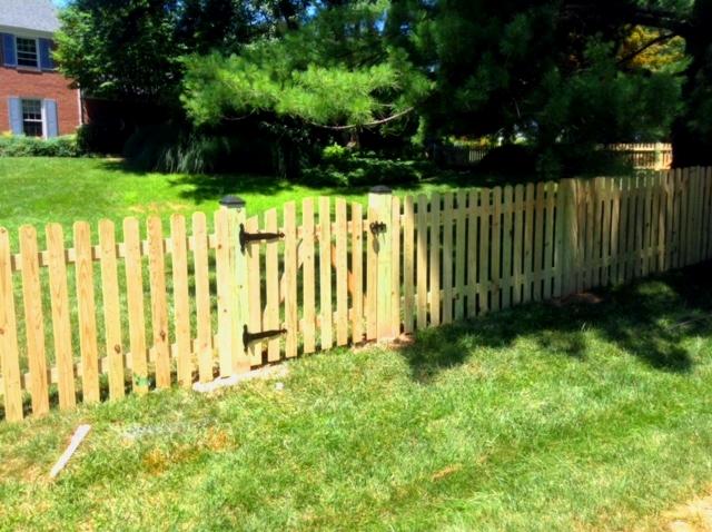 dog ear picket fence mclean fairfax county VA. 2jpg
