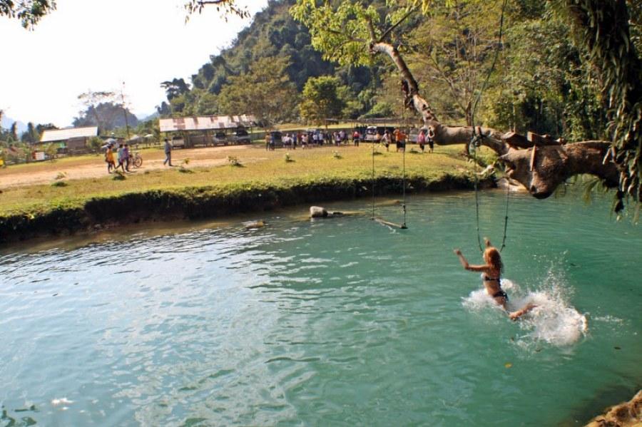 Vang-vieng-d3-16-blue-lagoon-1024x682