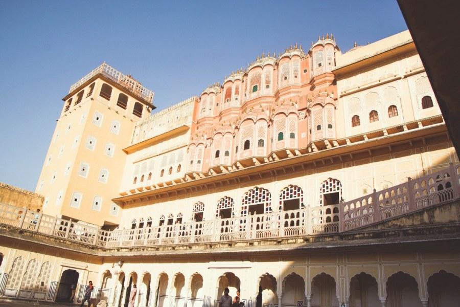India-Varanasi-rasarit-365_1200x800