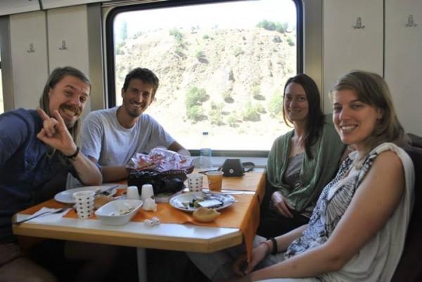 trenul-iranian-trans-asia-600x402