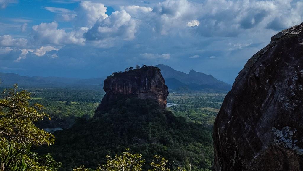 Sigiriya Pidurangala rock temple Sri Lanka-40_1024x578