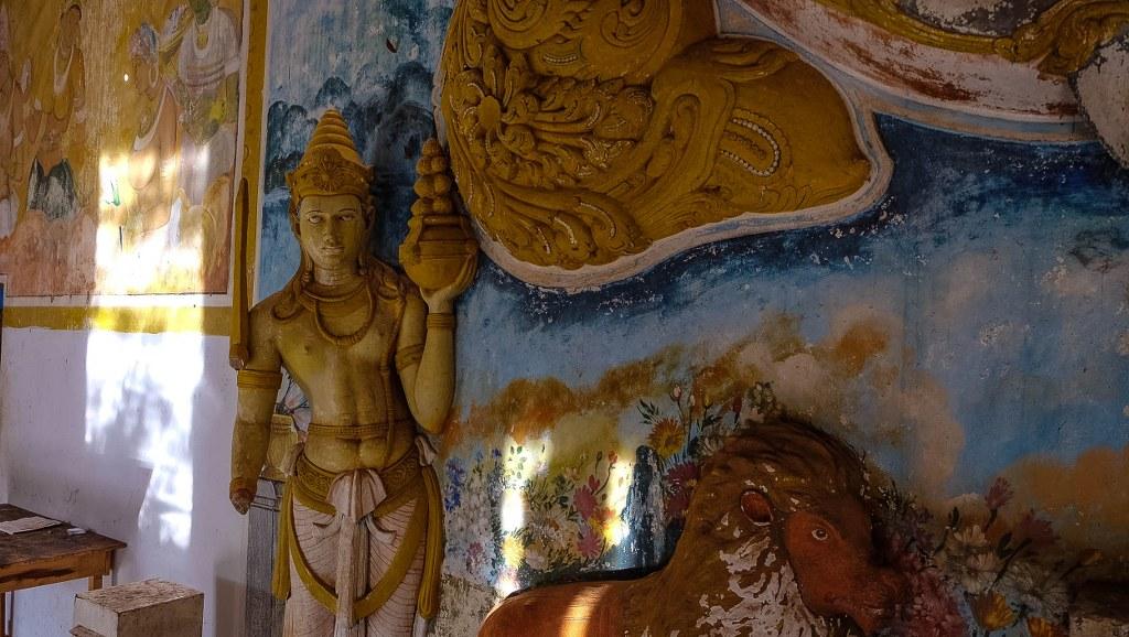 Sigiriya Pidurangala rock temple Sri Lanka-86_1024x578