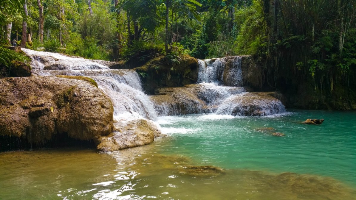 kuang si waterfall luang prabang-137_1280x720