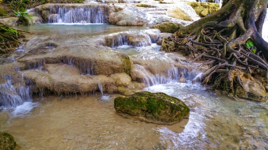 kuang-si-waterfall-luang-prabang-149_1280x720
