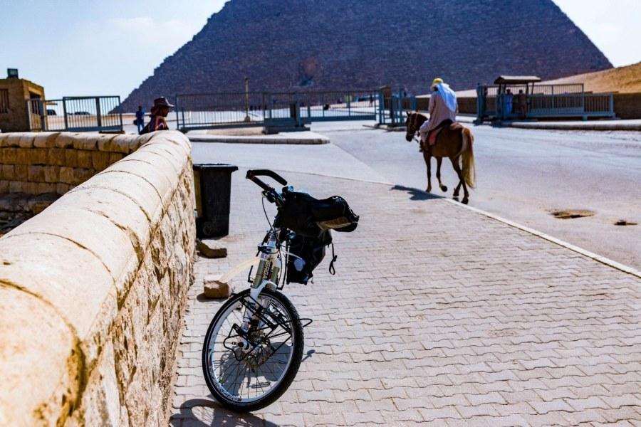 bike-in-africa-5_1280x853