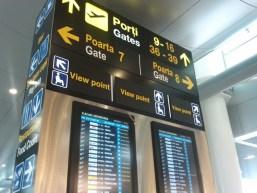 Aeroportul Otopeni ne recomandă să ne prezentăm cu trei ore înainte de decolare