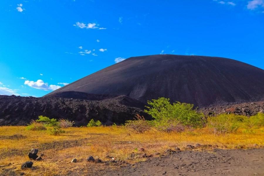 vulcano-boarding-cerro-negro-leon-16-of-135_1280x853
