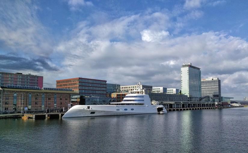 """Shipspotting: """"A"""", avagy 300 millió dollárnyi luxustengeralattjáró."""