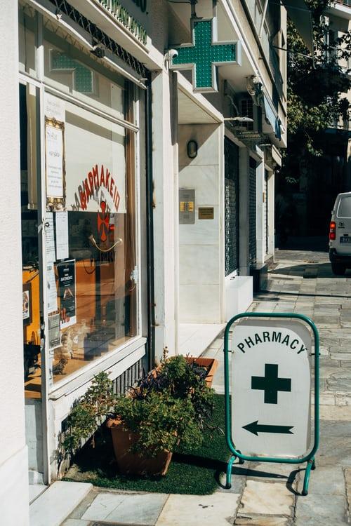 Uživo iz apoteke: Razlika između hanzaplasta i flastera