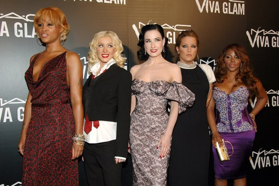 viva-glam-gives-back