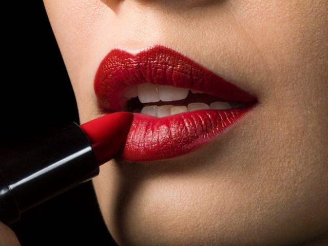Cum Demachezi Corect Rujul Rezistent Lips Magazine