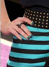 pop of neon to her colorblocked nail design