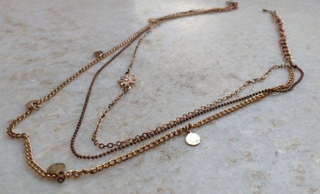 How To Clean Your Tarnished Artificial Jewellery At Home!