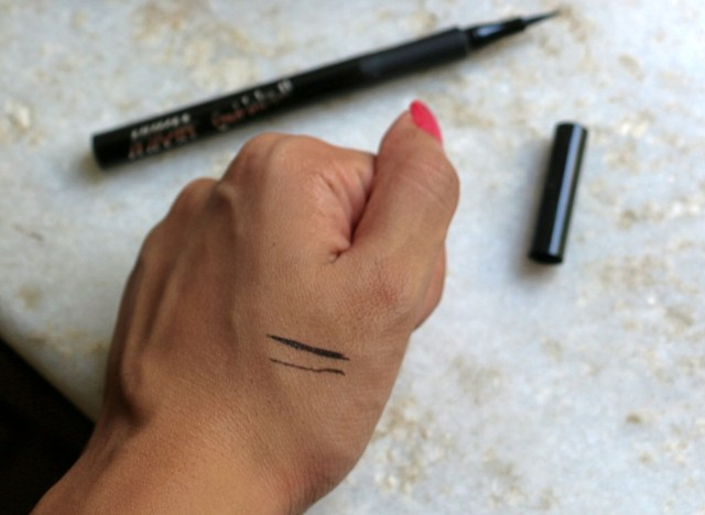 Nykaa Get Inked! Sketch Eyeliner | Review and Swatches