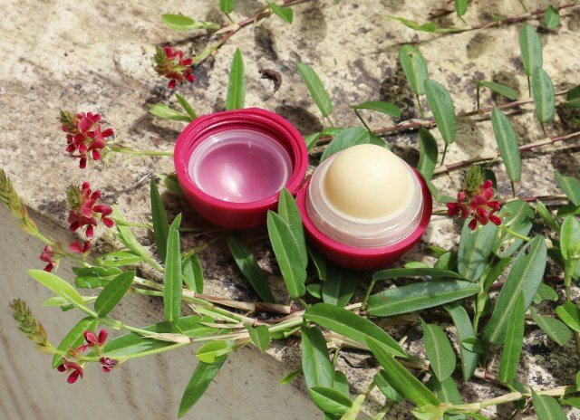 Organic Harvest Happy Lips Pomegranate Lip Care | Review
