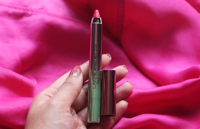Lakme 9 to 5 Naturale Matte Sticks | Fuchsia Alley | Review and Swatches