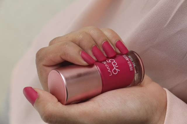 Lakme 9 to 5 Primer + Matte Nail Color - Magenta   Review and Swatches